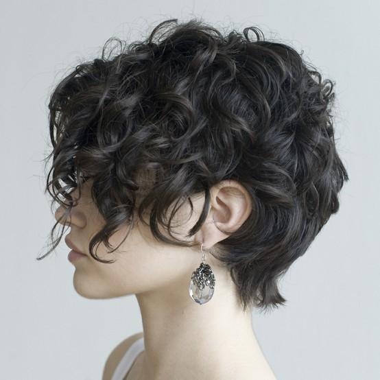 Penteados para Cabelos Curtos - Volumoso